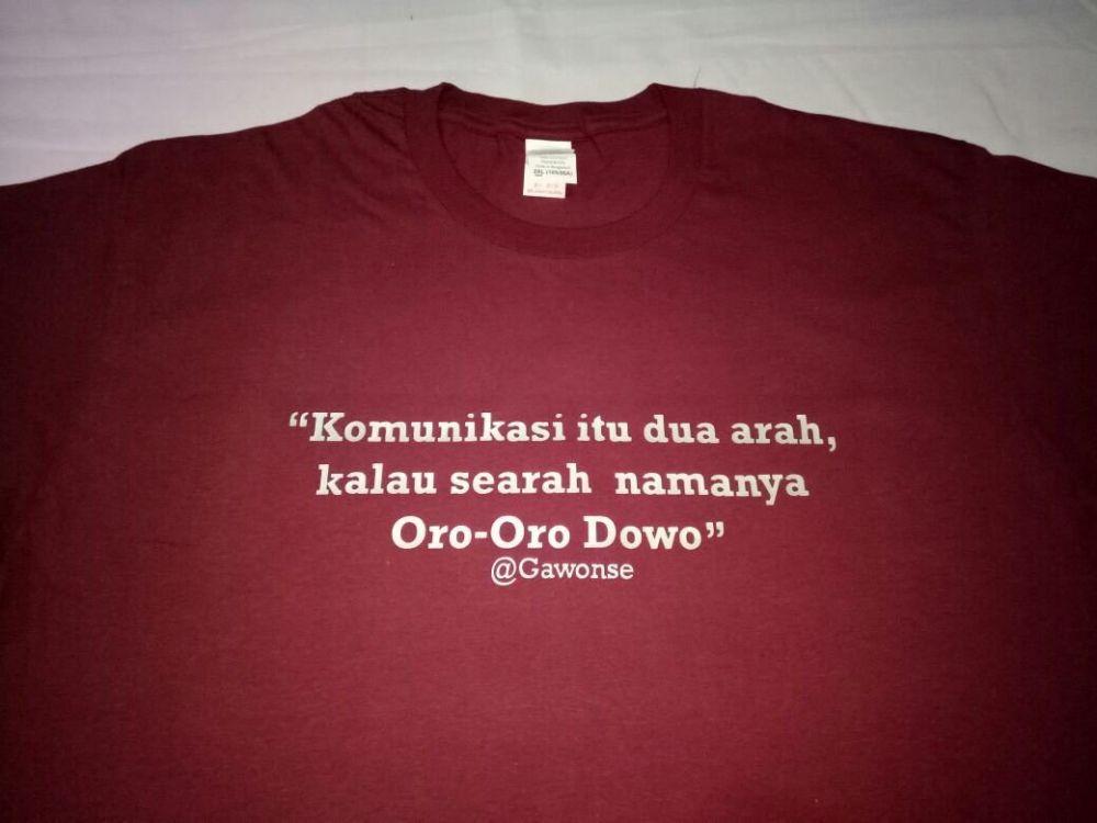 tulisan kaus oblong ngenes Istimewa