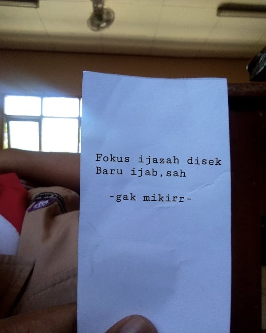 40 Kata-kata galau bahasa Jawa dan artinya, menyentuh hati