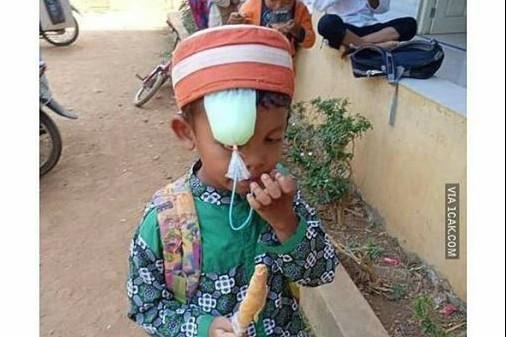 9 Kelakuan anak kecil di luar kebiasaan ini bikin geleng kepala