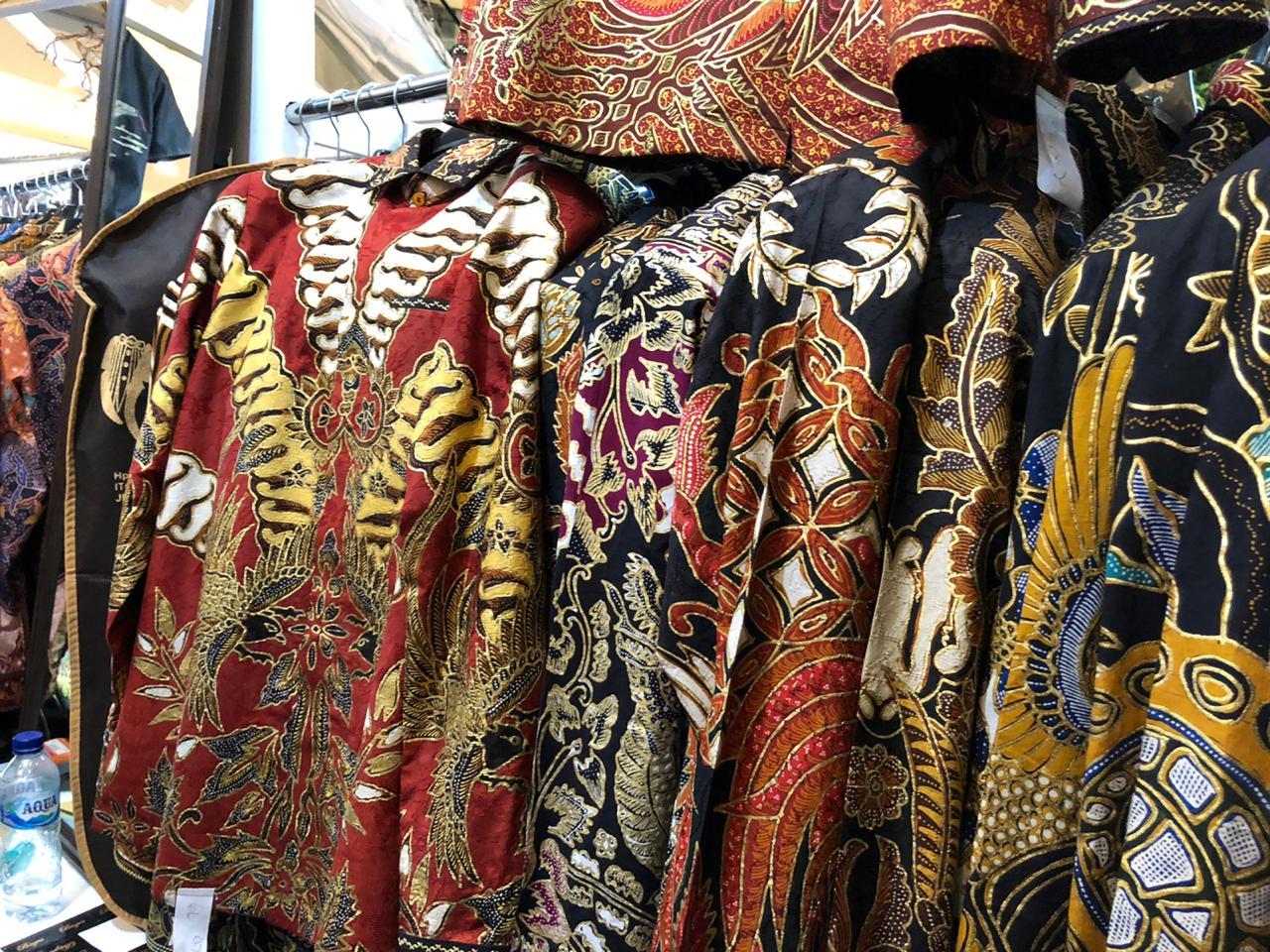 Angkat isu lingkungan, desainer bikin karya desain batik mewah
