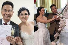 9 Momen resepsi pernikahan Delon Thamrin & Aida Chandra, meriah