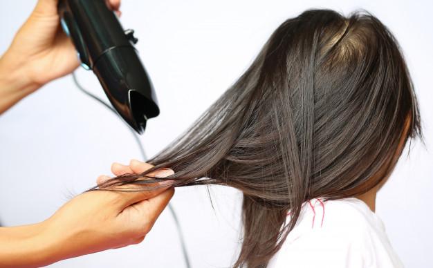 10 Penyebab rambut rontok pada anak dan cara mengatasinya freepik