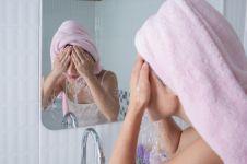 5 Cara membersihkan wajah agar selalu cerah dan antikusam