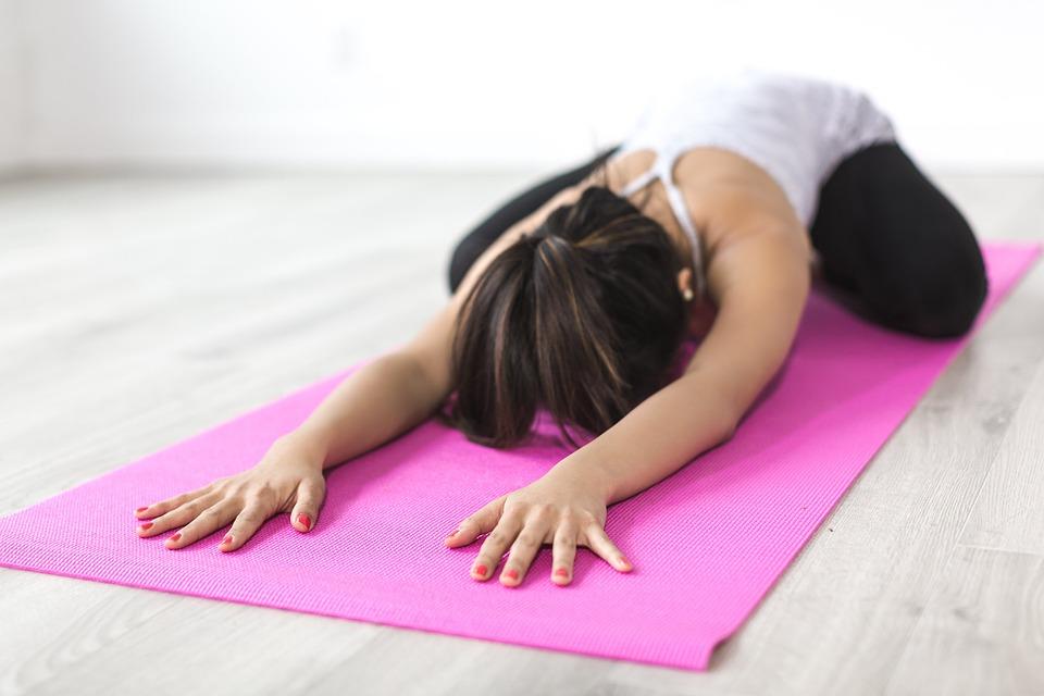 Cara menghilangkan stretch mark setelah melahirkan secara alami © 2019 brilio.net