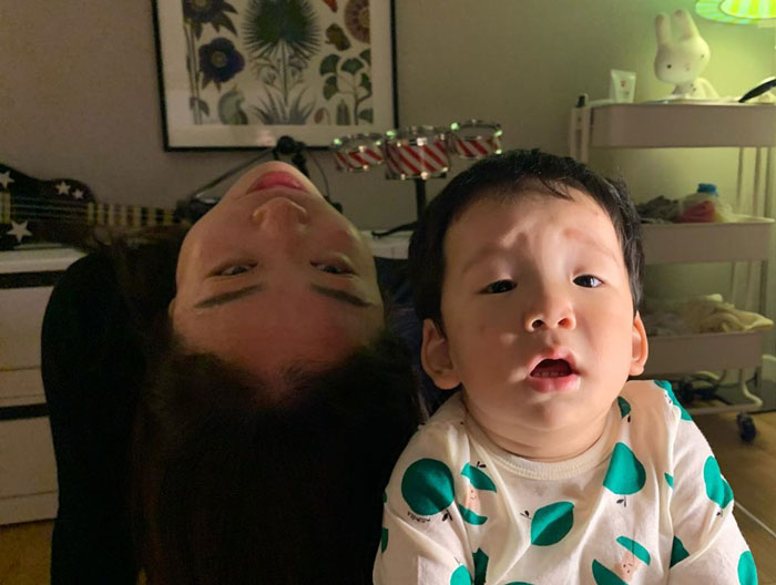 Tingkah absurd emak-emak saat asuh anak Instagram