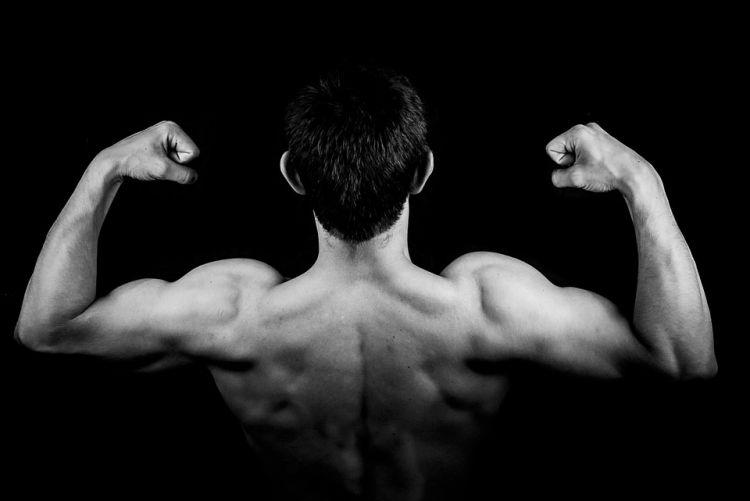 10 Cara membesarkan otot lengan pria, mudah dan tanpa fitnes