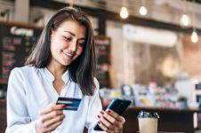 Cara mengambil uang di ATM pakai smartphone, tanpa kartu