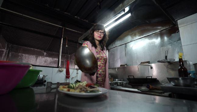 makanan ekstrem ularkobra brilio.net