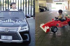 5 Momen Raphael Moeis dengan mainan mobil mini mewah