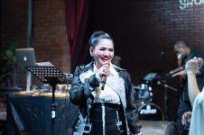 Vina Panduwinata tampil kekinian di The 90's Festival