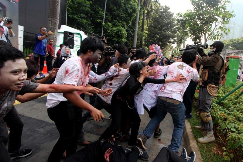 """Puluhan zombie bikin heboh CFD, untung ada Baim """"Ghost"""" Wong"""