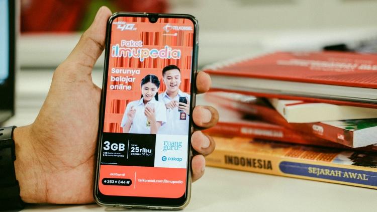 Peringati Hari Guru Nasional, Telkomsel luncurkan paket Ilmupedia