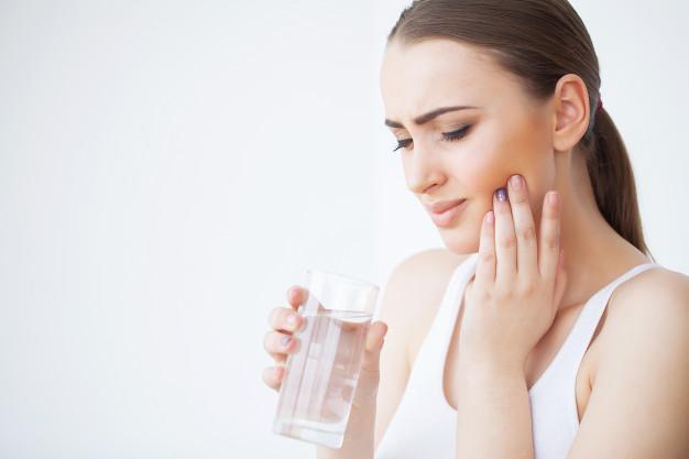 7 Cara menghilangkan sakit gigi secara alami, mudah dan ampuh