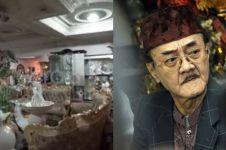 8 Potret sudut rumah mewah Eyang Subur, dipenuhi kristal
