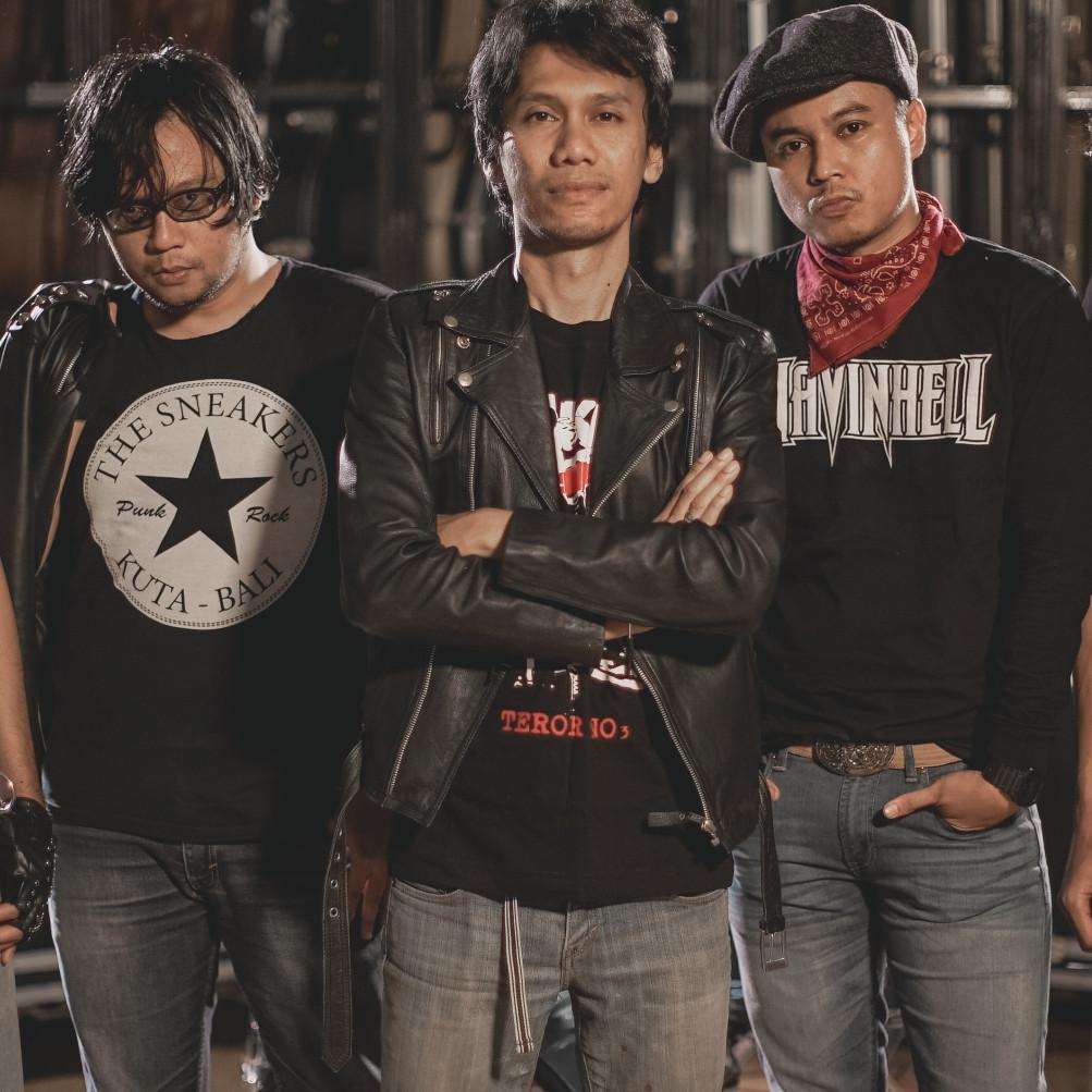 Cerita Eross Candra mau isi 1 lagu milik ROKET band baru Jogja