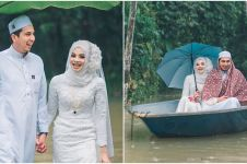 Desa dilanda banjir, 7 foto pernikahan pengantin ini malah keren