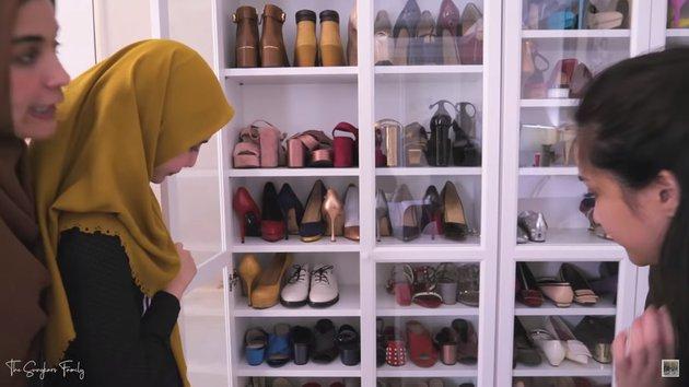 isi lemari Nagita Slavina bikin melongo © 2019 youtube.com
