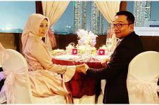Momen makan malam Ridwan Kamil dan istri ini bikin baper