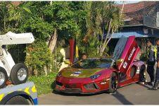 Detik-detik Lamborghini milik Crazy Rich Surabaya terbakar