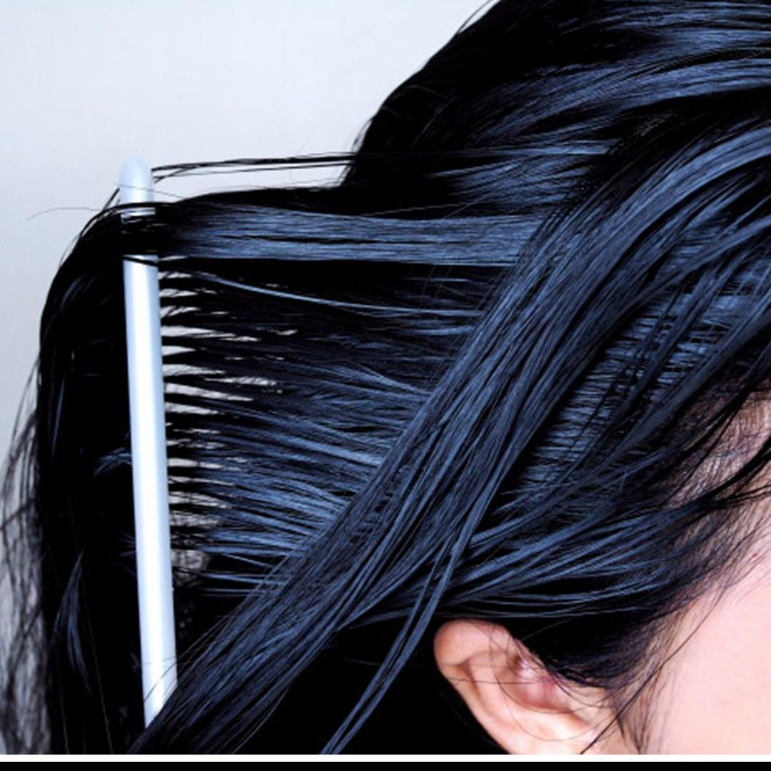 7 Cara mengatasi rambut berminyak, aman dan antilepek