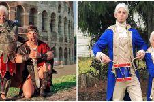 10 Aksi kocak nenek & cucu pakai kostum klasik hingga superhero
