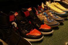 5 Tips padu padan dengan chunky sneakers bikin tampilan kece
