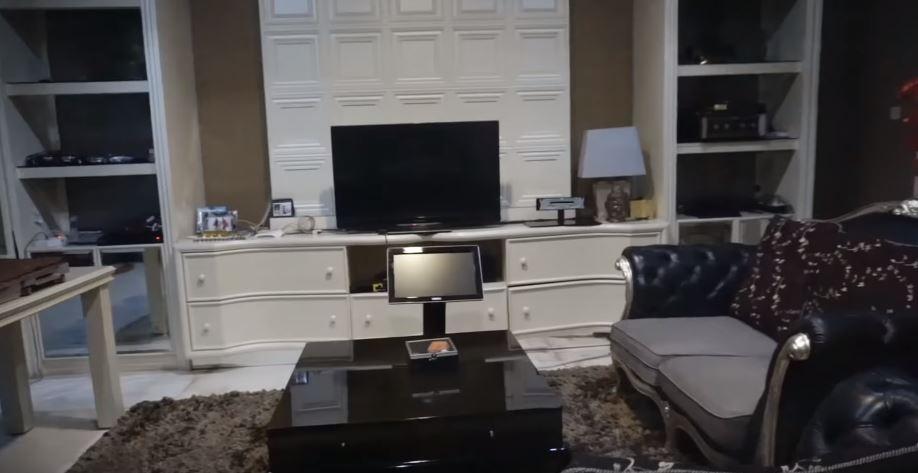potret rumah faradina tika  YouTube