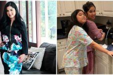 7 Momen Annisa Pohan bersih-bersih rumah, emak-emak banget