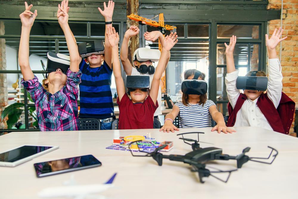 7 Bukti teknologi mengubah pendidikan, zaman sudah berubah shutterstock.com