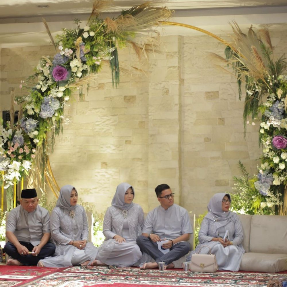 6 Potret tasyakuran kehamilan Tipang istri Arief Muhammad © 2019 instagram.com