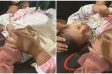 Viral video bayi menangis di atas jenazah ibunya, bikin mewek
