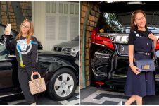 6 Potret koleksi mobil mewah Inul Daratista