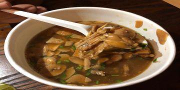 Mencicipi kelezatan swike, sup kodok dengan kuah tauco