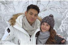 Momen 4 seleb rayakan Natal bareng pacar di luar negeri, romantis