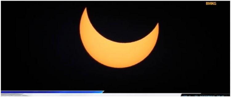 6 Potret Fenomena Alam Gerhana Matahari Cincin Bikin Kagum