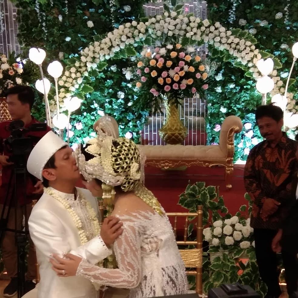momen akad nikah Ginanjar dan Tiara Amalia © 2019 instagram.com