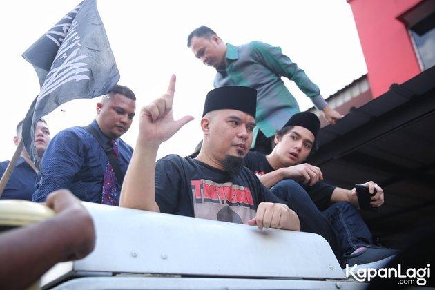 7 Momen Ahmad Dhani bebas penjara, diarak pakai truk Unimog © 2019 kapanlagi.com