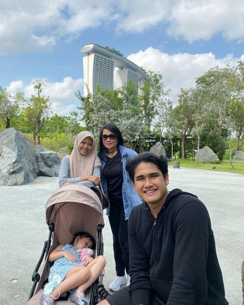 Momen liburan Gisel di Singapura Instagram