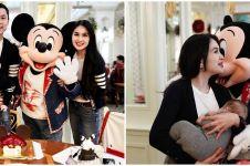 9 Momen ultah Raphael anak Sandra Dewi kedua di Disney Land