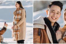 4 Seleb ini lamar kekasih di tengah hamparan salju, romantis