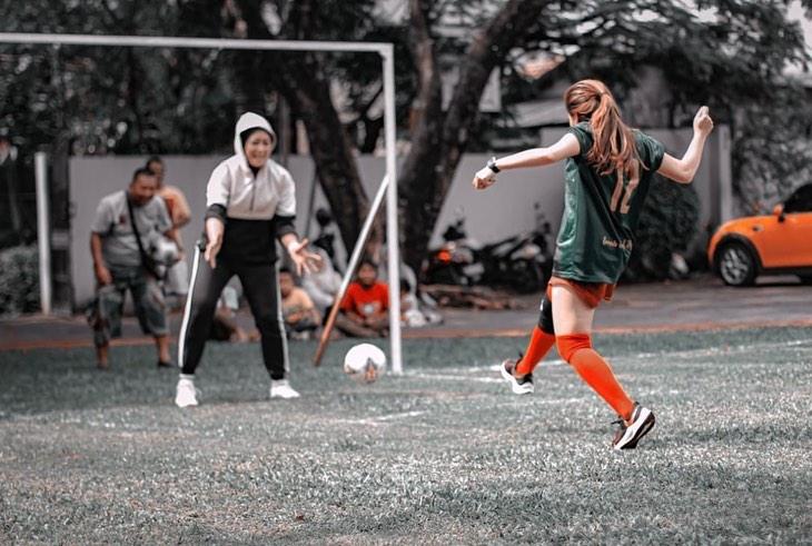 ayu ting ting sepak bola Instagram