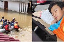Momen 5 seleb ngungsi saat banjir Jakarta, penuh perjuangan