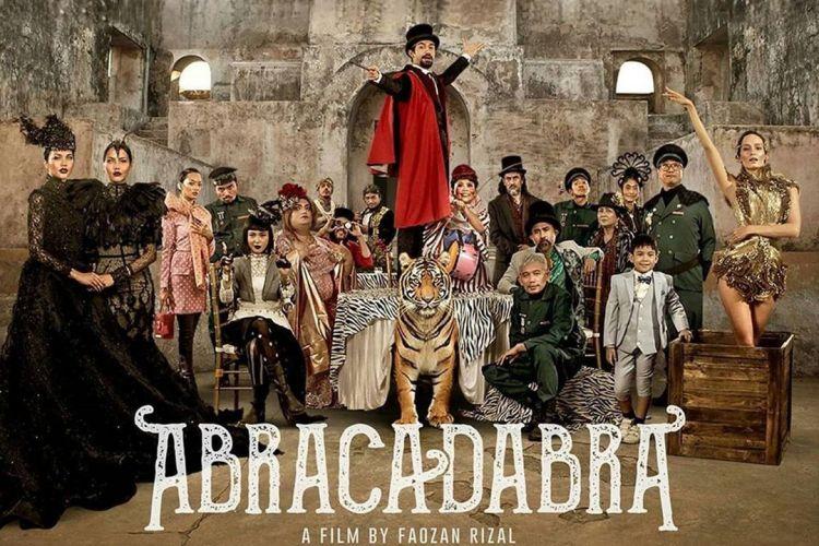 Kisah Reza Rahadian di film Abracadabra yang tak percaya keajaiban
