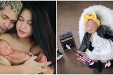 Young Lex akhirnya ekspos wajah anak, ini 10 potret newbornnya