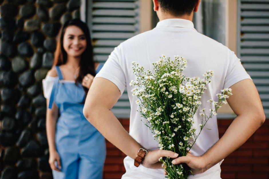 60 Kata-kata cinta bahasa Inggris romantis & menyentuh hati pexels.com Instagram/@love.crush.quotes