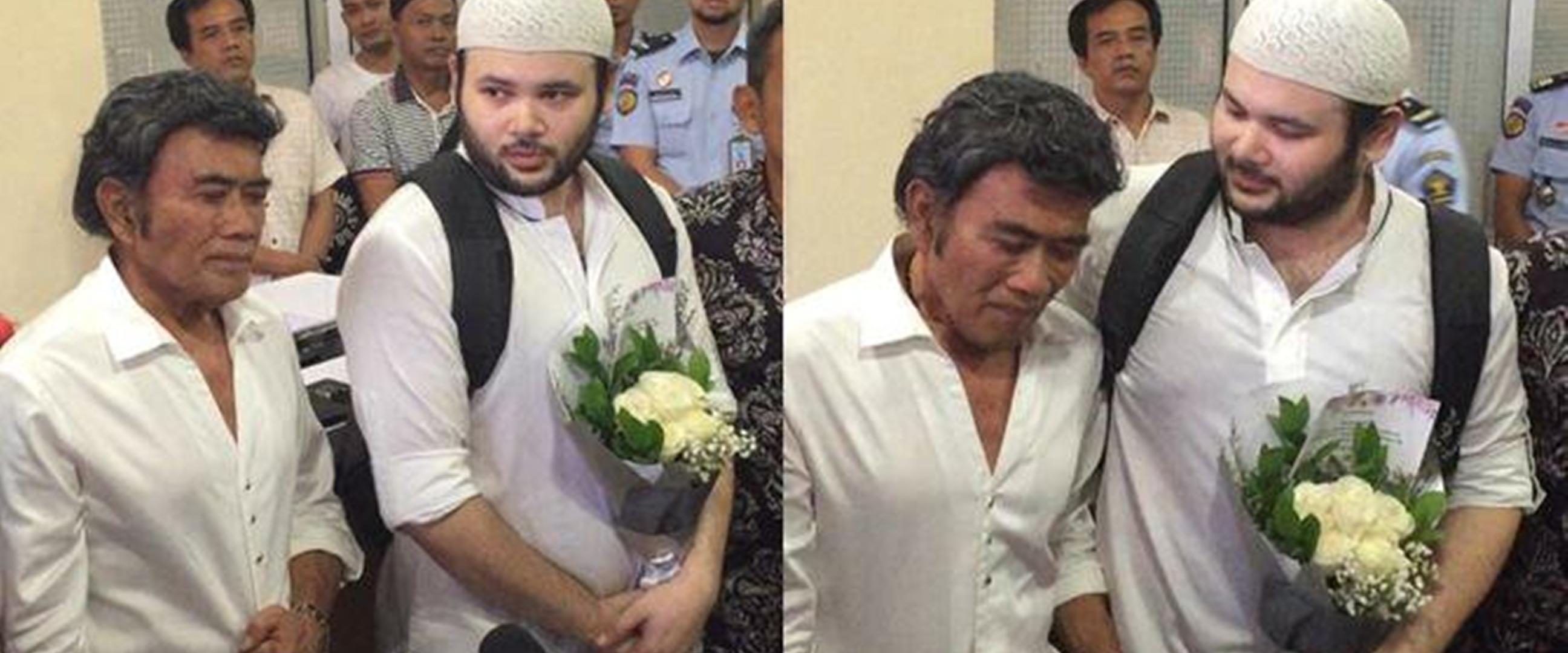Momen Rhoma Irama jemput Ridho bebas dari penjara, haru