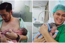 Momen skin to skin 8 seleb ganteng & anaknya yang baru lahir