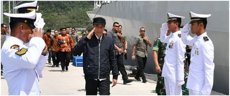 Image result for jokowi ke natuna