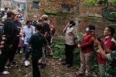 Detik-detik Rizky Febian & adik hadiri pembongkaran makam Lina