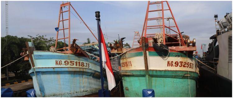 Detik-detik menegangkan penangkapan kapal pencuri ikan di Natuna